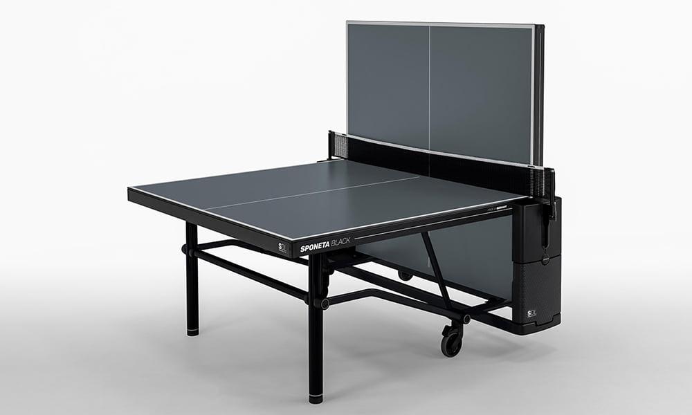 Alleinspiel mit dem Premium Outdoor Tischtennistisch von Sponeta